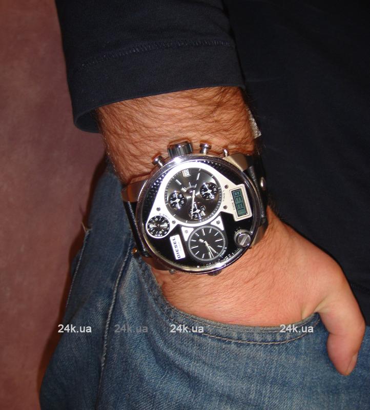 Диаметр часов - 57 мм, поэтому смотрятся они на р. Объявление о продаже Продам часы Diesel DZ 7125 диаметром 57 мм в