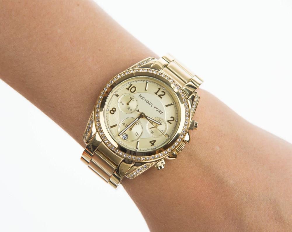 Женские часы Michael Kors MK5616 Женские часы Adriatica A3424.1143Q