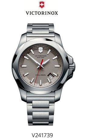 Часы Victorinox V241739